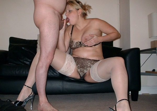 english-milf-blowjobs-in-stockings