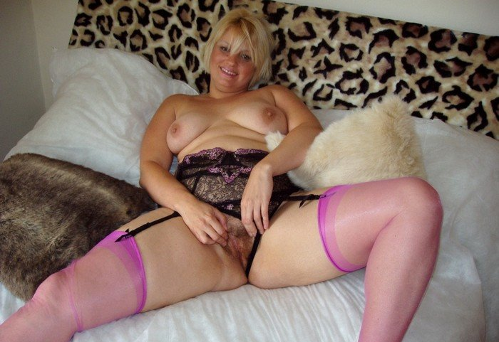 englishmilf.com-british-housewife